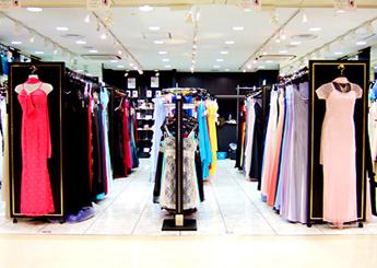 そんなあなたにピッタリのドレスをお探しいたします。カジュアルドレスからフォーマルドレスまで、お手軽な価格でご提供いたします。女性は皆美しくをモットーにお客様